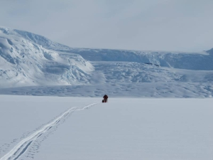 Polar explorers en route to the South Pole approach the Axel Heiberg Glacier.
