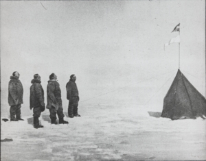 Amundsen, Hanssen, Hassel og Wisting by a tent at the South Pole 1911